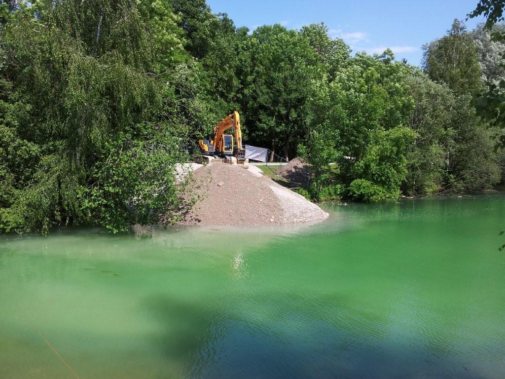 Der Damm im Kuhse wird errichtet