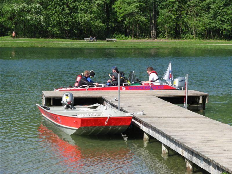 Motorbootsteg am Kuhsee mit WW Kuhsee 99/1 und WW Augsburg 99/21