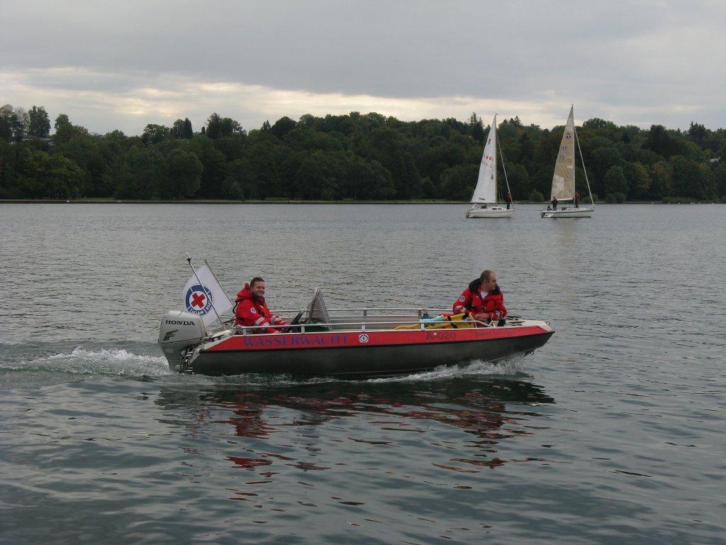 Untertützungseinsatz bei der Prüfung der Rettungstaucher am Starnberger See