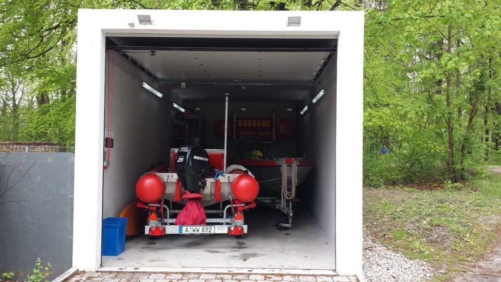 Garage mit Boote 1